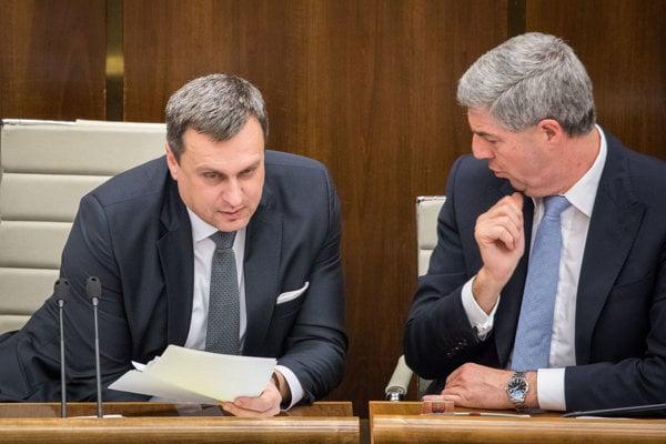 28. november 2017. Podpredseda NR SR Béla Bugár a predseda NR SR Andrej Danko počas rokovania 23. schôdze  NR SR.