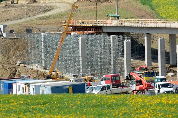 Miesto tragédie – stavenisko diaľničného mosta medzi Košickými Oľšanmi a Ďurďošíkom.
