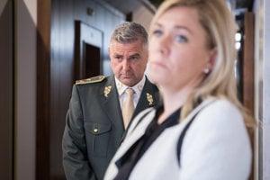 Exprezident Policajného zboru Tibor Gašpar a ministerka vnútra Denisa Saková.