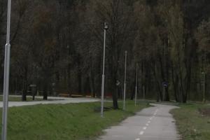 Na cyklochodníku pribudlo moderné osvetlenie.