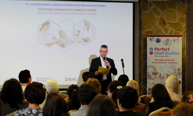 Účastníkom konferencie sa prihovoril Ján Belanský.