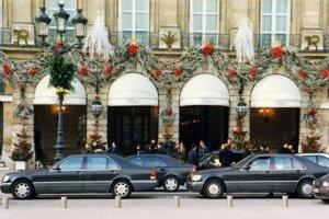 Posledným autom princeznej Diany bol Mercedes S280 W140 z roku 1994. Jedna z posledných fotografií pred nehodou.