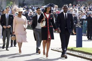 Herec Idris Elba so svojou snúbenicou Sabrinou Dhowreovou.