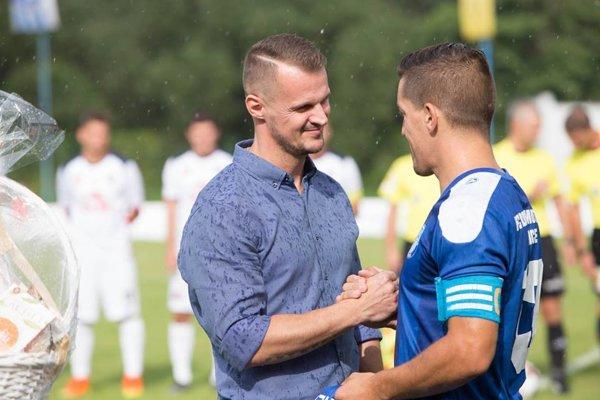 Vlani sa Martin Hloušek lúčil s hráčskou kariérou. Aktuálne hráva znova. V piatoligovom Širokom.