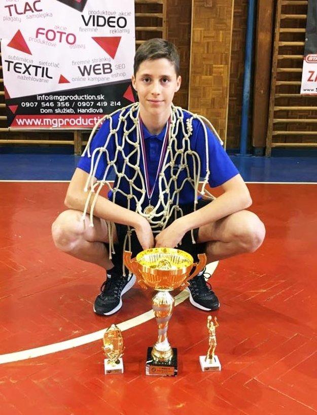 Maroš Šimko potiahol Nitru k ďalšej trofeji. Právom získal cenu pre MVP turnaja a bol členom A-tímu all stars.