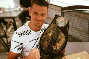 Jedenásty titul vybojoval Moravčík knock-outom súpera vo 4. kole. Vkariére chce ešte stále dosiahnuť viac.