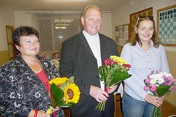Ocenení. Zľava Anna Bartoňová, Wieslaw Krzyszychov, Monika Uríková.