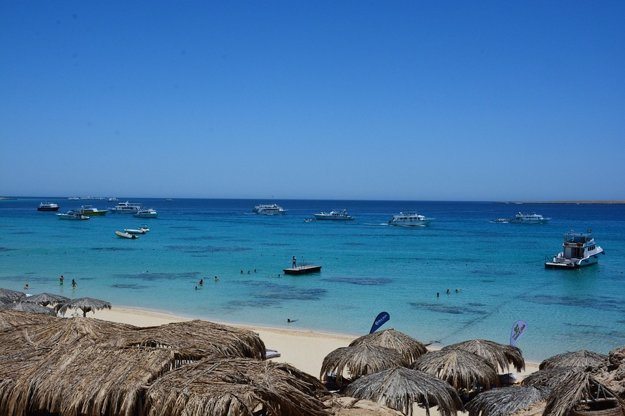 Egyptské pláže učarujú svojou malebnosťou.