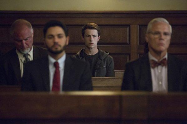 Nové časti 13 Reasons Why sa odohrávajú v súdnej sieni, veľmi napínavé to nie je.