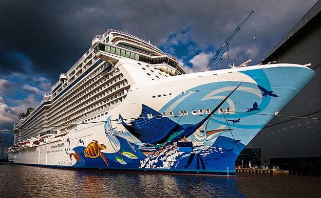 Norwegian Escape v prístave v Hamburgu.