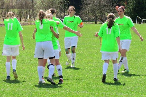 Oravský Podzámok prehral v Beluši 0:3.