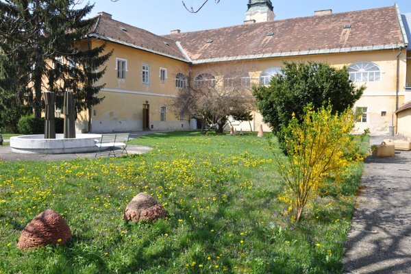 Záhrada NMG v Lučenci.