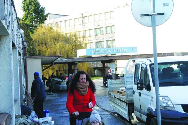 Šaľania nie sú spokojní, že v meste nie je nemocnica.