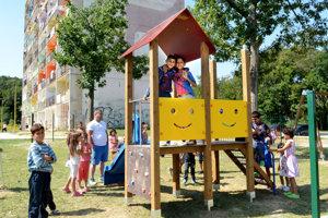 Aj nové detské ihrisko na Luniku IX je pod dozorom kamier.