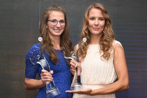 Ocenené Andrea Štrbová (vľavo) s Natáliou Dubovcovou.