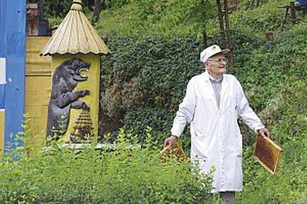 Alexander Čelko vytvoril unikátne včelie kráľovstvo.
