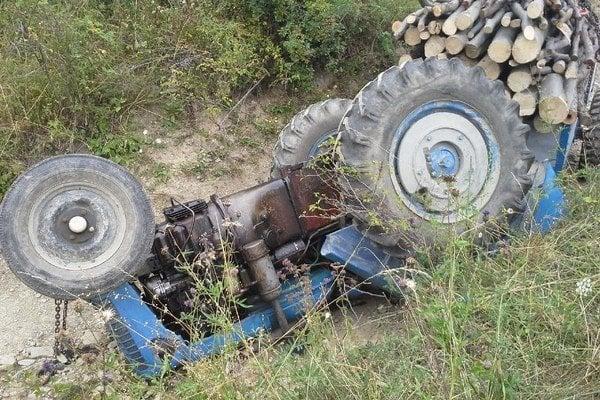 Traktoristu našli v osade.