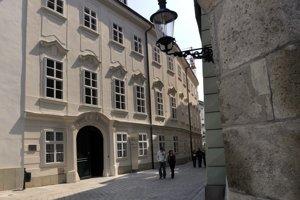V zrekonštruovaných priestoroch Apponyiho paláca dnes sídli Múzeum vinohradníctva.