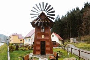 V obci ešte v roku 2013 postavili vernú kópiu veterného mlyna, ktorý patrí k raritám Kysúc.