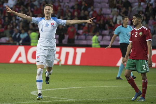 Ján Greguš sa raduje zo svojho gólu.