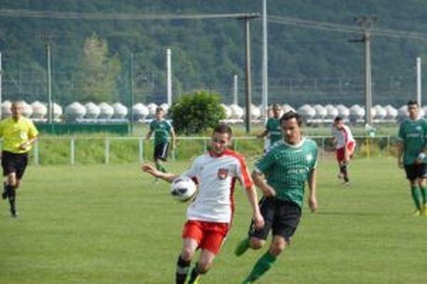Ladčania (v zelenom) v záverečnom zápase zdolali Malú Čausu.