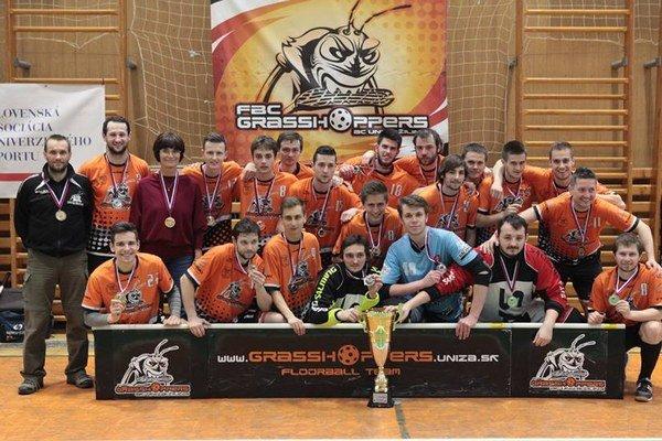 Strieborné mužstvo FBC Grasshoppers Žilina.