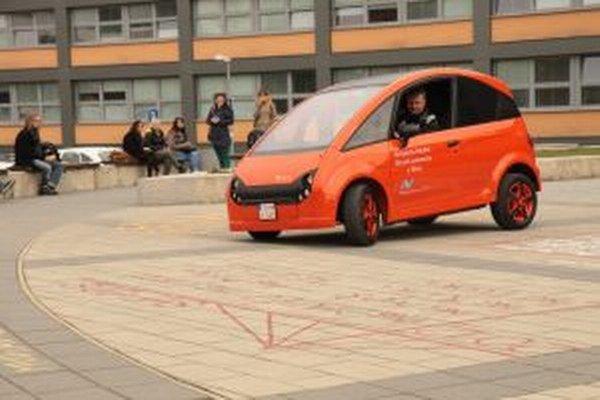 Elektromobil EDISON.
