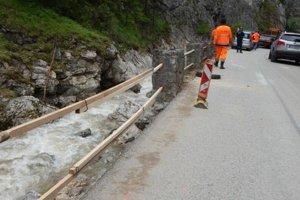 Odhadované náklady župy na opravu cesty vo Vrátnej sú 4 až 6 miliónov eur.
