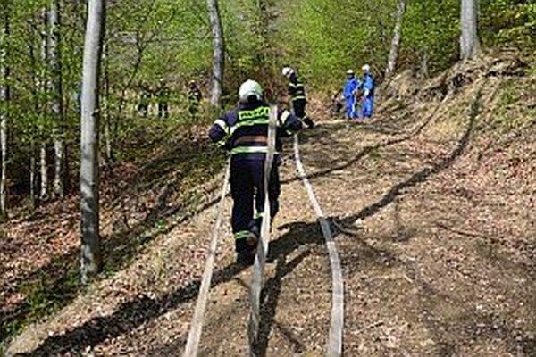 Cvičenie sa konalo v strmom teréne.