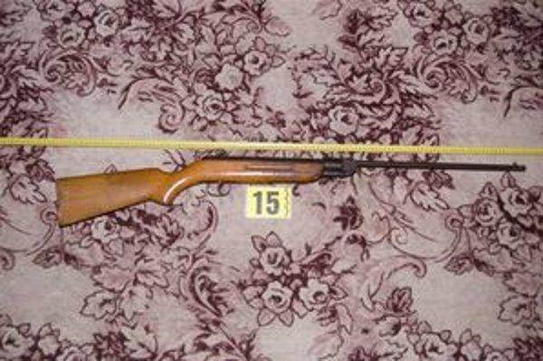 Polícia zaistila zbraň k prípadu v Belej.