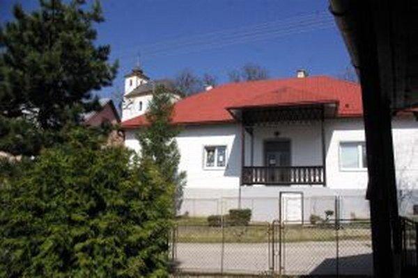 Knižnica v Hornom Lieskove.