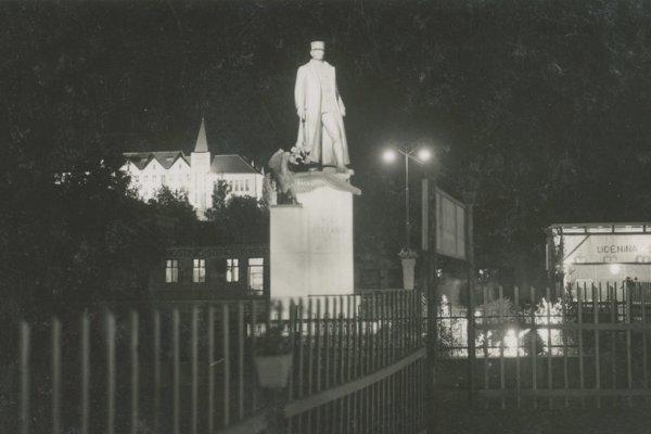 Generál Štefánik stál kedysi v centre Levíc.