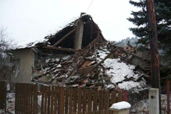 Výbuch dom úplne zničil.