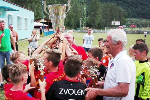 Víťazná radosť mladých futbalistov Zvolena