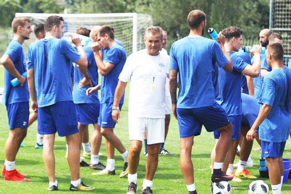 Zverenci Ivana Galáda odohrajú prvý prípravný zápas v sobotu proti Interu Bratislava, hrať sa bude v Golianove.