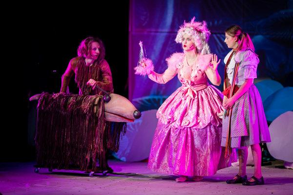 V dňoch 20. – 22. júna Staré divadlo Karola Spišáka hrá rozprávkové predstavenie s piesňami Čarodejník z krajiny Oz.