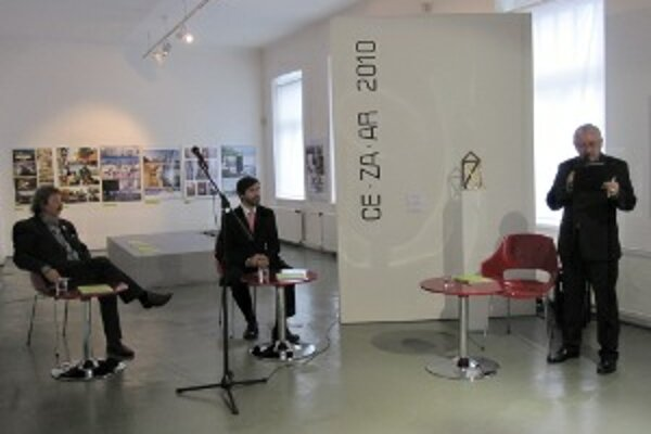 Derniéra výstavy architektonických realizácií v súťaži CE.ZA.AR 2010.
