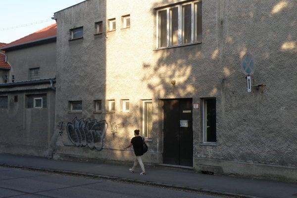 Budova bývalej Sokolovne v Prievidzi.