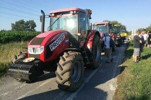Farmári na ceste do Bratislavy.
