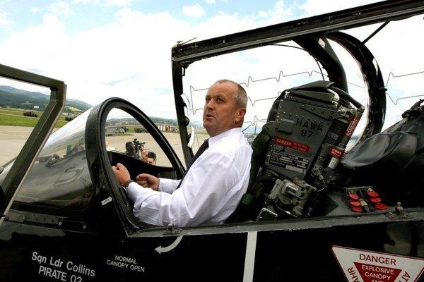 Stíhačky MiG-29 pobudnú v slovenskej armáde ešte niekoľko rokov, kým ich úplne vyradí.