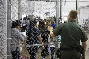 Jedno zo z detenčných centier na hraniciach USA.