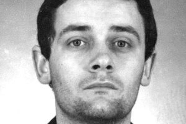 Predseda Slovenskej národnej strany Ján Slota sa objavil v záznamoch polície zo 70-tych rokov.