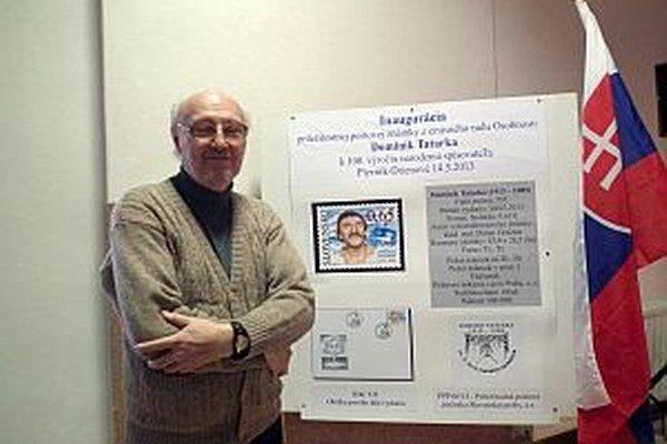 Výtvarník Dušan Grečner, autor známky venovanej Dominikovi Tatarkovi.