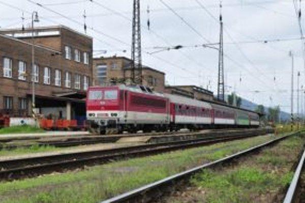 Nehoda spôsobila v piatok meškanie vlakov za Žilinou.