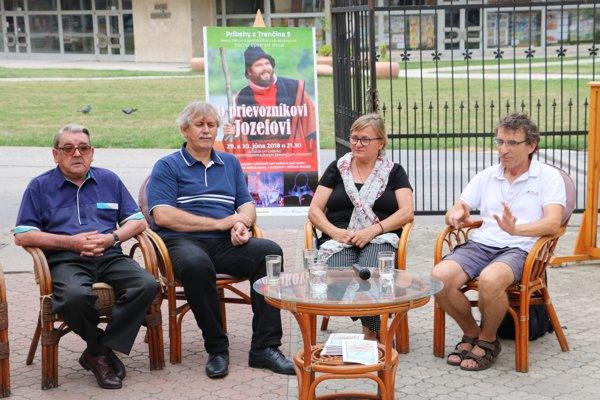 Zľava Ján Buday, Jozef Vydrnák, Hana Gallová aVlado Kulíšek.