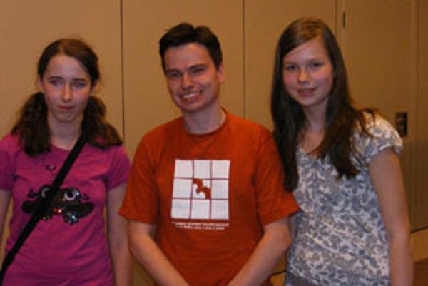 Zuzka Hromcová (vpravo) sa stretla s dvojnásobným majstrov sveta v sudoku, Američanom Thomasom Snyderom.
