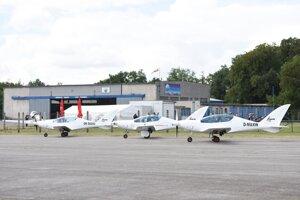 Trojica športových lietadiel slovenskej výroby Shark.