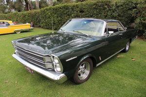 Čilský prezident využíva kabriolet Ford Galaxie XL z roku 1966. Dostal ho darom od britskej kráľovnej Alžbety II. pri príležitosti jej návštevy. (Na obrázku je rovnaký model vo verzii kupé.)