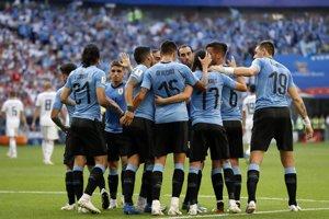 Reprezentanti Uruguaja sa tešia z gólu do siete Ruska.