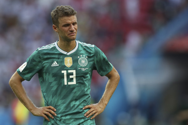 Sklamaný nemecký reprezentant Thomas Muller po zápase neudržal slzy.
